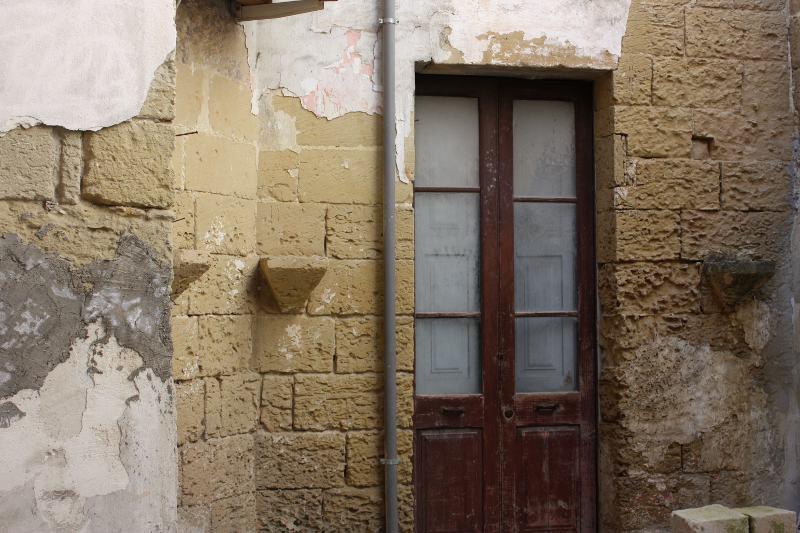 Casa a corte da ristrutturare in vendita in salento the for Ristrutturare case antiche