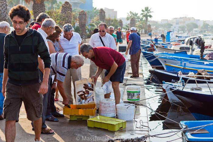 porto-cesareo-mercato-pesce-fabio