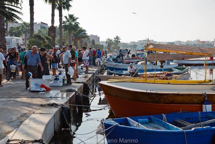 porto-cesareo-mercato-pesce-molo