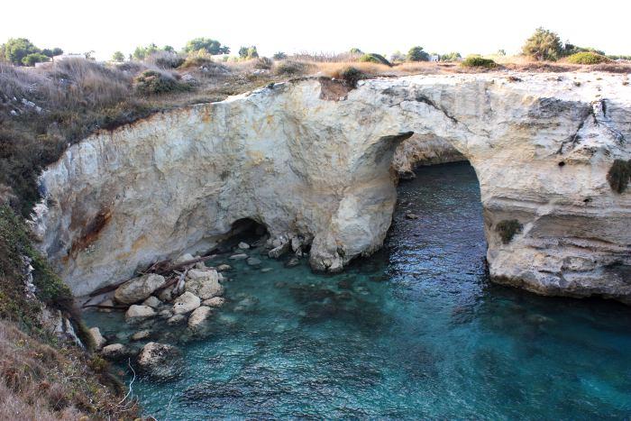 sant'andrea-faraglioni-spiaggia