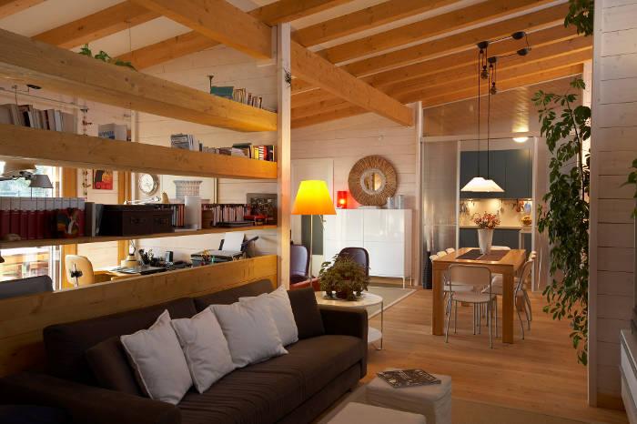 Casa longano una casa in legno a monopoli bari the for Pavimento in legno interno