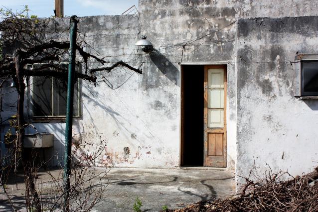 Casa antica con giardino grandissimo in vendita a guagnano for Interno casa antica