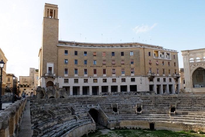 anfiteatro-romano-lecce-palazzo
