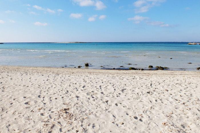 Matrimonio Spiaggia Salento : La spiaggia di sabbia torre sant isidoro in salento