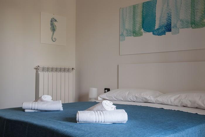 camera-letto-matrimoniale-appartamento-per-le-vacanze